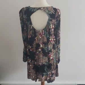 Onetheland Dresses - Floral Print Dress NWT